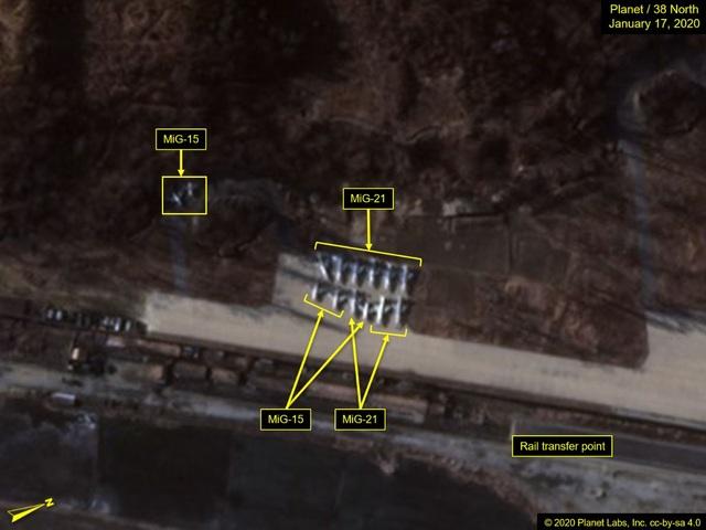 Động thái bí ẩn của hơn 35 máy bay quân sự Triều Tiên - 1