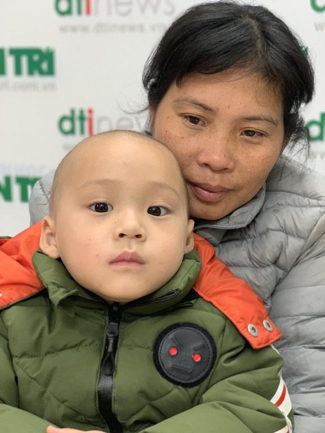 Cậu bé ung thư xin mẹ mua quần áo mới diện ngày Tết - 2