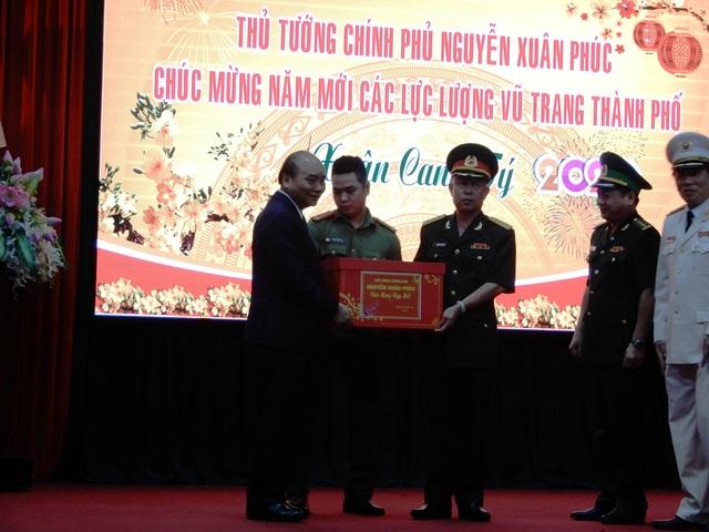 Thủ tướng Nguyễn Xuân Phúc chúc Tết lực lượng vũ trang - Ảnh minh hoạ 3