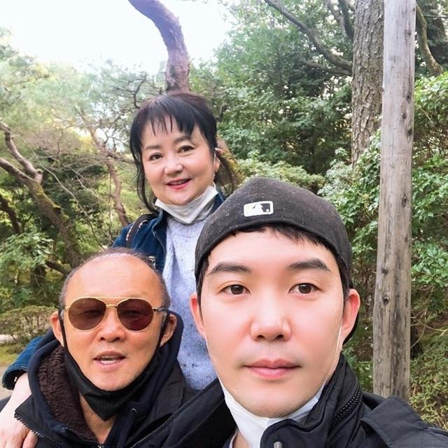 HLV Park Hang Seo và gia đình hạnh phúc ăn Tết ở Nhật Bản - 2