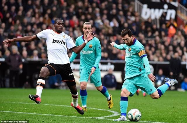 Messi gây thất vọng, Barcelona gục ngã trước Valencia - 15