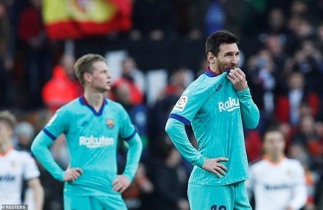 Messi gây thất vọng, Barcelona gục ngã trước Valencia - 10