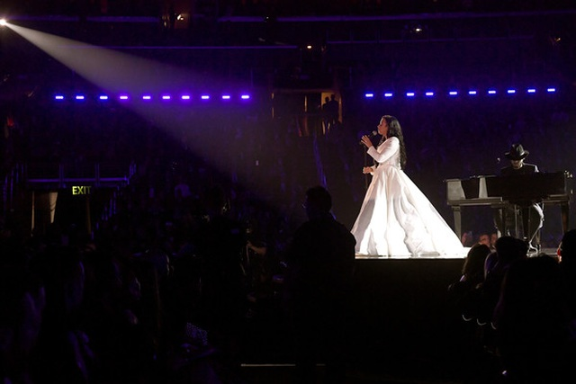 Billie Eilish thắng lớn tại lễ trao giải Grammy 2020 - 3