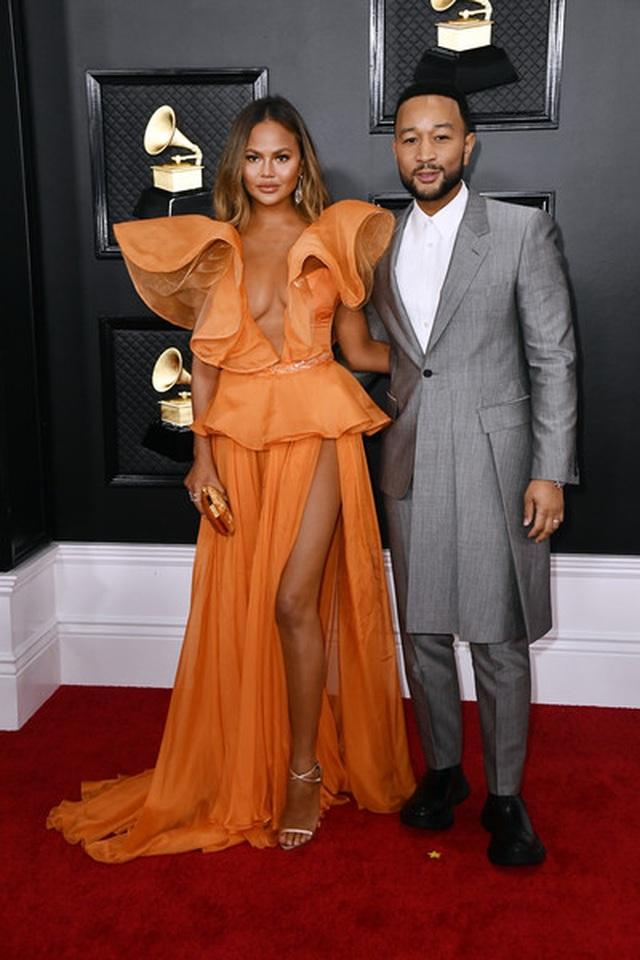 Dàn sao nữ diện váy áo gợi cảm dự lễ trao giải Grammy 2020 - 11