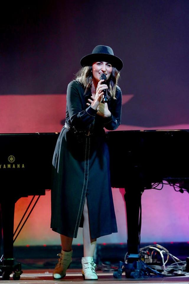 Billie Eilish thắng lớn tại lễ trao giải Grammy 2020 - 12