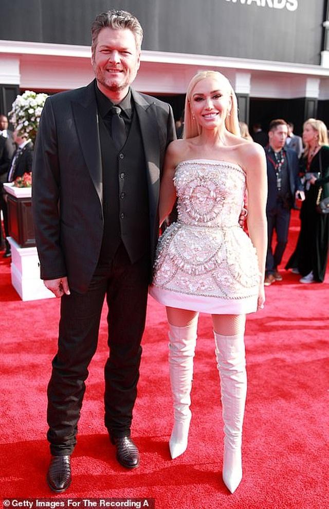 Dàn sao nữ diện váy áo gợi cảm dự lễ trao giải Grammy 2020 - 21
