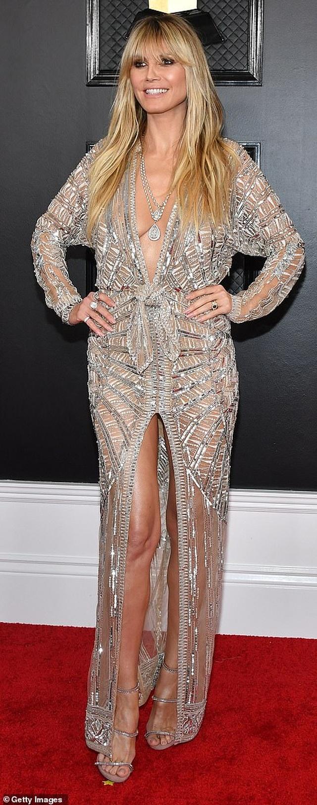 Dàn sao nữ diện váy áo gợi cảm dự lễ trao giải Grammy 2020 - 25