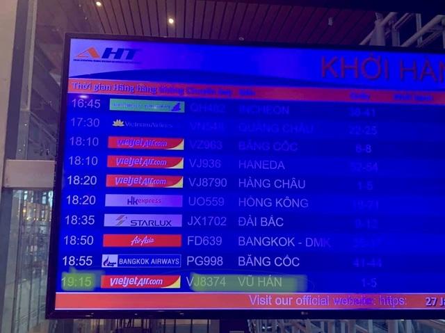 166 du khách đến Đà Nẵng từ Vũ Hán đã khởi hành bay về nước - 2