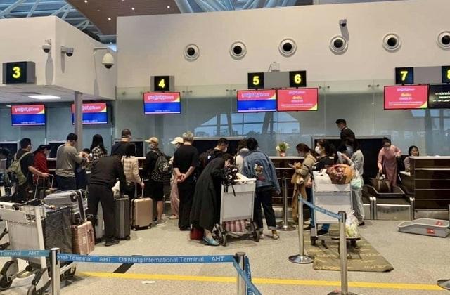 166 du khách đến Đà Nẵng từ Vũ Hán đã khởi hành bay về nước - 4