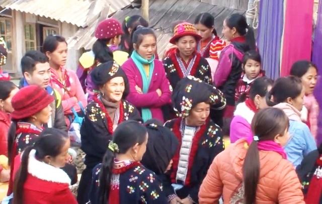 Độc đáo lễ cưới 3 lần của người Dao Tiền - 2