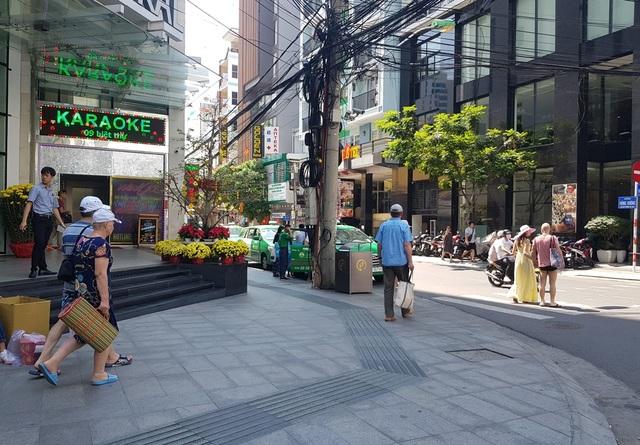 Nha Trang: Cửa hàng vắng khách, lái xe đón khách Trung Quốc thất nghiệp hàng loạt - 1