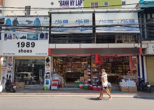 Nha Trang: Cửa hàng vắng khách, lái xe đón khách Trung Quốc thất nghiệp hàng loạt - 2