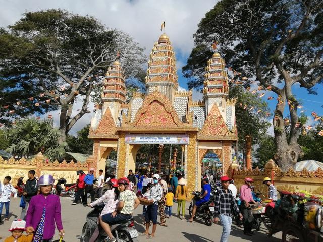 Ấn tượng ngôi chùa Khmer hơn trăm tuổi ở Bạc Liêu - 1