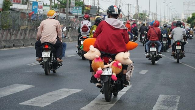 Người dân miền Tây đổ về Sài Gòn sau Tết - 2