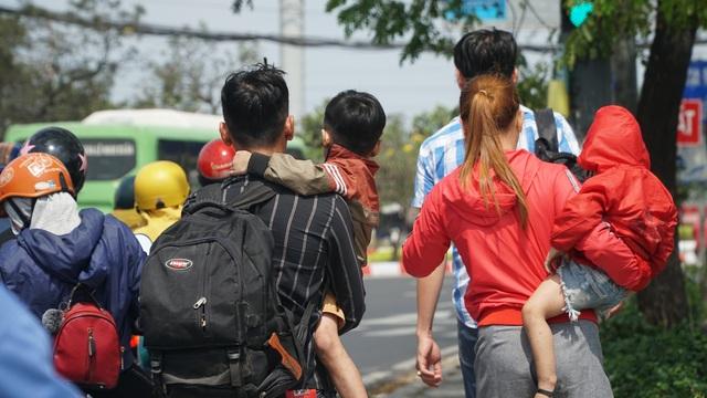 Người dân miền Tây đổ về Sài Gòn sau Tết - 3