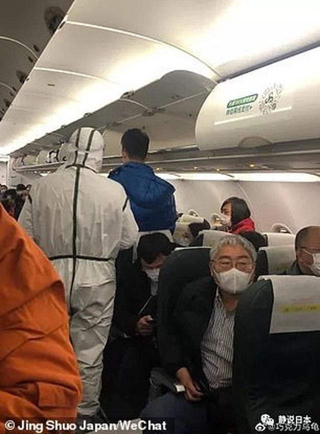 Khách Trung Quốc kỳ thị dân Vũ Hán, nhất quyết không chịu đi chung máy bay - 2