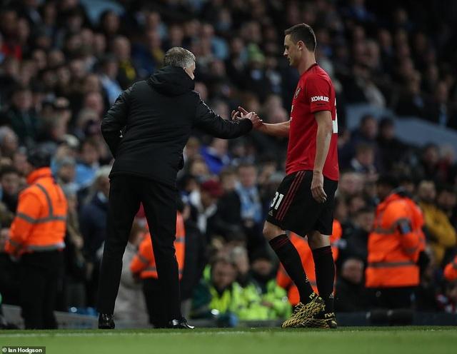 Man City 0-1 Man Utd: Matic ghi bàn và nhận thẻ đỏ - 7