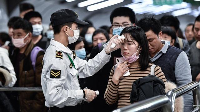 Hiệu thuốc Trung Quốc bị phạt nặng vì tăng giá khẩu trang gấp 6 lần - 1