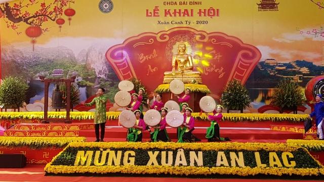 Ninh Bình đón gần 350 nghìn lượt khách trong tháng 1 năm 2020 - 1
