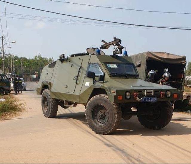 Cho phép tiêu diệt nghi can bắn chết 4 người ở TPHCM - 16