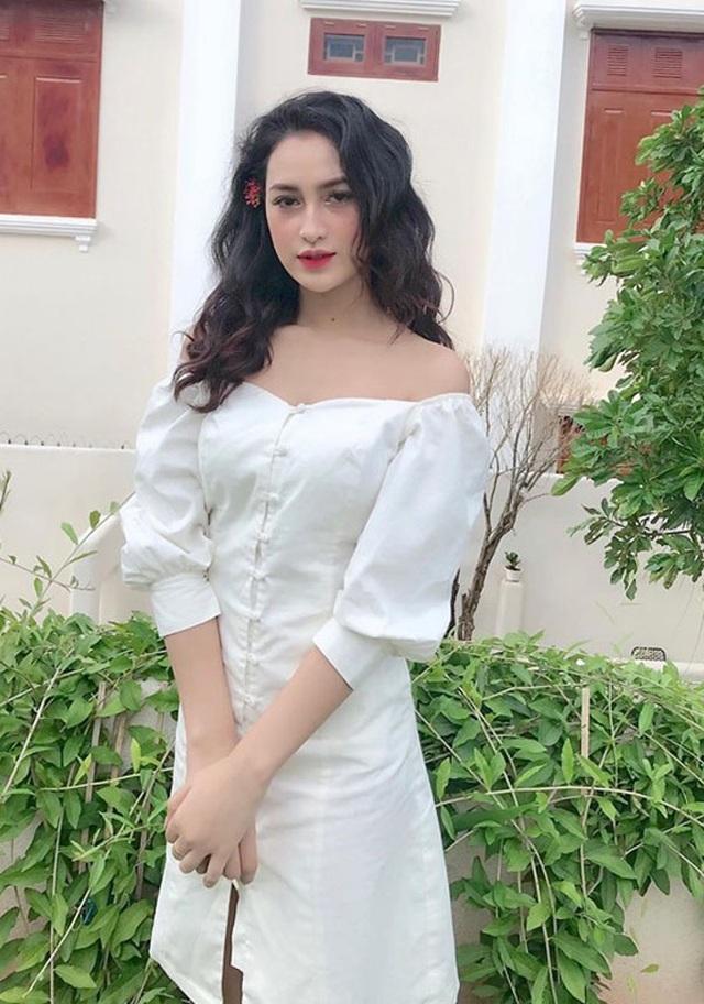 Cô gái dân tộc Ê đê xinh nức tiếng, thường bị nhầm là con lai Tây, mặc gì cũng đẹp - 8