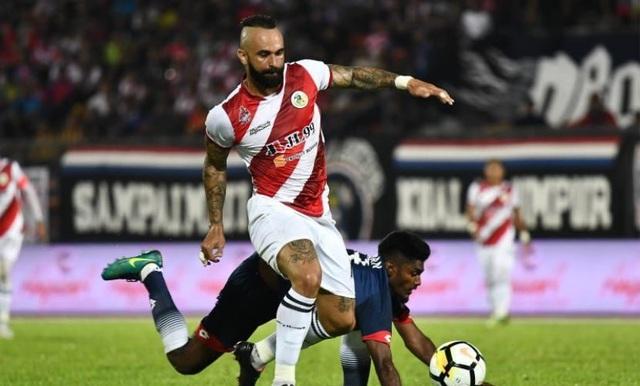 Chuẩn bị tái đấu đội tuyển Việt Nam, Malaysia nhập tịch thêm hai cầu thủ - 1