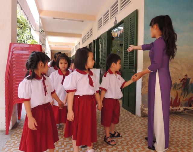 TPHCM: Trường học phải báo ngay trường hợp học sinh sốt hay nghinhiễm virus Corona - 1