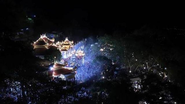 Danh thắng Núi Bà Đen đón lượng khách lớn trong dịp Tết Canh Tý - 1