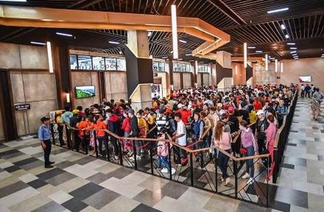 Danh thắng Núi Bà Đen đón lượng khách lớn trong dịp Tết Canh Tý - 2