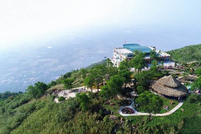 Danh thắng Núi Bà Đen đón lượng khách lớn trong dịp Tết Canh Tý - 3