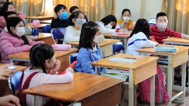 Dịch virus Corona: Khoảng 2 triệu học sinh Hà Nội tạm thời chưa nghỉ học - 1