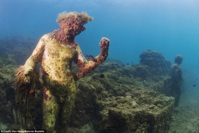 """Thành phố cổ """"dành cho tầng lớp siêu giàu"""" chìm gần 2000 năm dưới đáy biển - 3"""