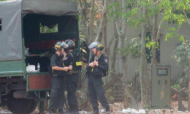 Cho phép tiêu diệt nghi can bắn chết 4 người ở TPHCM - 7
