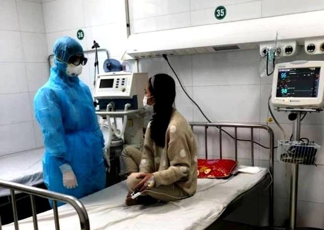 Nữ bệnh nhân dương tính với virus corona đã được ra viện - 1