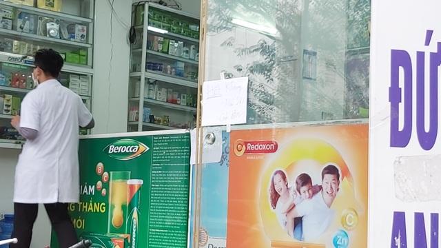 Nhiều người dân Hà Nội đi cả chục cây số vẫn không mua được khẩu trang - 4