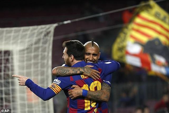 Messi và Griezmann tỏa sáng đưa Barcelona vào tứ kết Cúp Nhà vua - 3