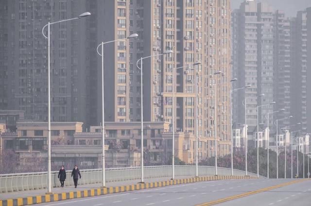 Đại dịch Corona: Nỗi lo kinh tế của Trung Quốc khi nhiều thành phố thành thị trấn ma - 2