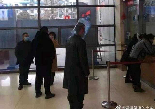 Dân Trung Quốc tuyệt vọng với mặt nạ tự chế do hết sạch khẩu trang - 5
