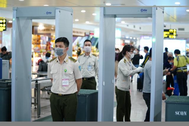 Ứng phó khẩn cấp dịch bệnh corona tại sân bay quốc tế Nội Bài - 6