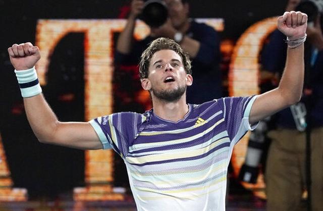 Australian Open: Ngược dòng hạ Zverev, Thiem sẽ tranh cúp bạc với Djokovic - 1