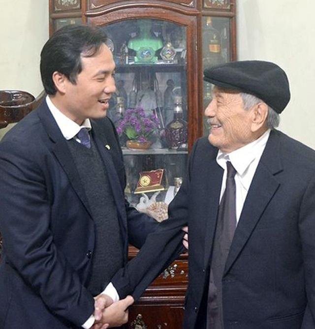 Niềm vui đầu xuân của cụ ông 102 tuổi đời, 75 năm tuổi Đảng - 3