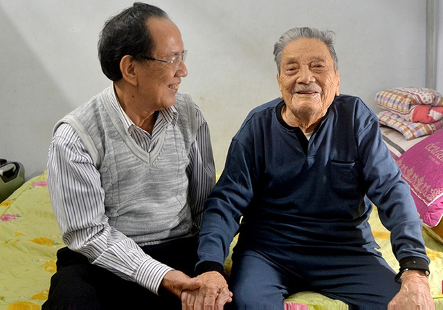 Niềm vui đầu xuân của cụ ông 102 tuổi đời, 75 năm tuổi Đảng - 2