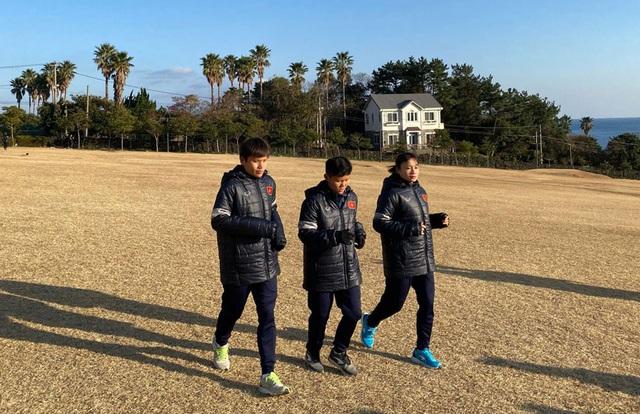 Đội tuyển nữ Việt Nam đến Hàn Quốc, tập luyện tại đảo Jeju - 6