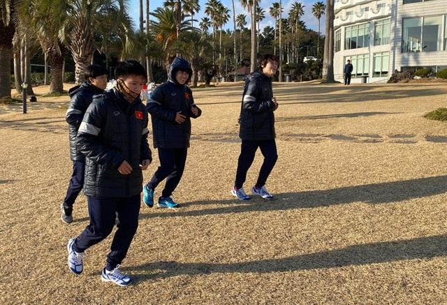 Đội tuyển nữ Việt Nam đến Hàn Quốc, tập luyện tại đảo Jeju - 7
