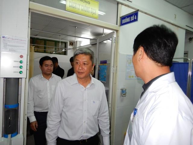 Hậu Giang: Cách ly, theo dõi một phụ nữ bị sốt trở về từ Trung Quốc - 1