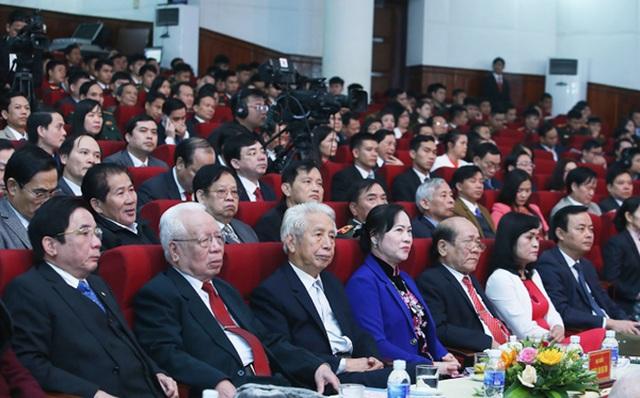 Kỷ niệm 90 năm thành lập Đảng: Người lớn nêu gương, tuổi trẻ quyết viết tiếp trang sử hào hùng - 3
