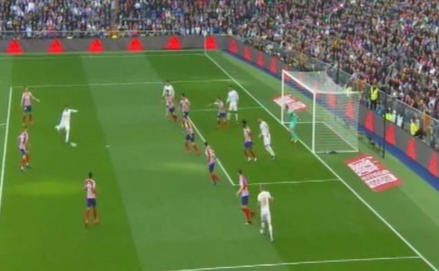 Real Madrid 1-0 Atletico: Benzema chói sáng - 10