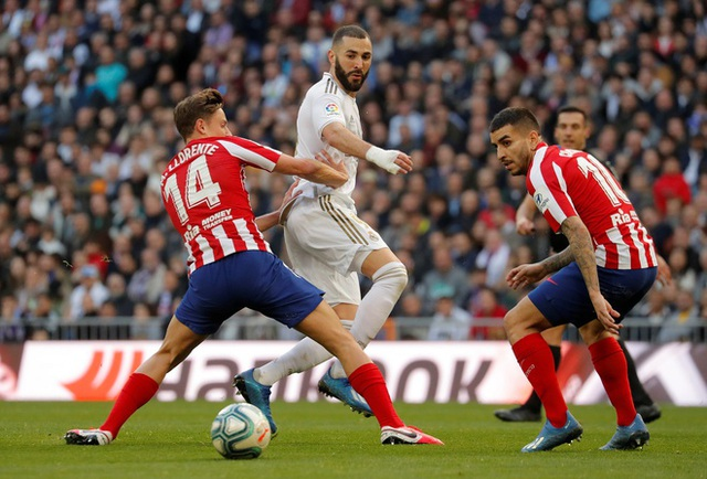 Real Madrid 1-0 Atletico: Benzema chói sáng - 1