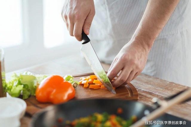 3 loại thức ăn thừa cần vứt bỏ, ngay cả bỏ tủ lạnh hay hâm nóng cũng vẫn gây bệnh - 2