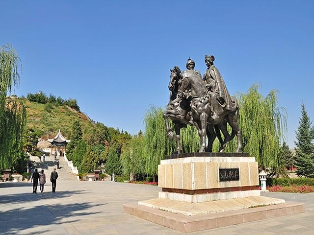 Lăng mộ xanh của một trong tứ đại mỹ nhân Trung Quốc - Vương Chiêu Quân - 3